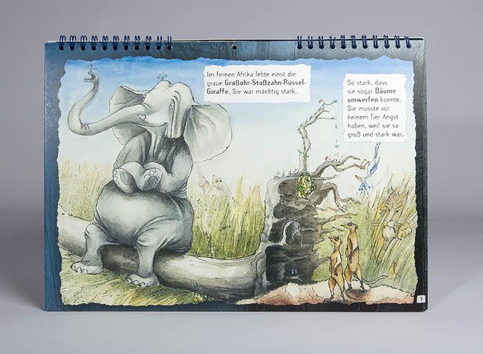 Elefant auf Baumstamm